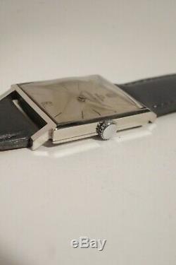 JAEGER-LECOULTRE EN ACIER, très bon état, calibre K818, années 60
