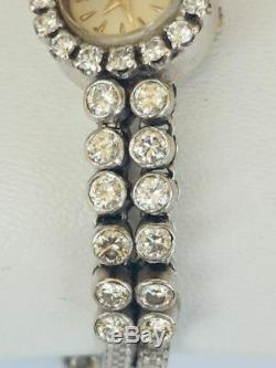 JAEGER LECOULTRE. Montre bracelet pour deme en or blanc 18 carats