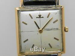 Montre JAEGER LECOULTRE carré en or 18k mouvement 480 vers 1960