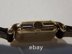 Montre dame JAEGER LECOULTRE uniplan en OR 18k vers 1950 style Art Déco